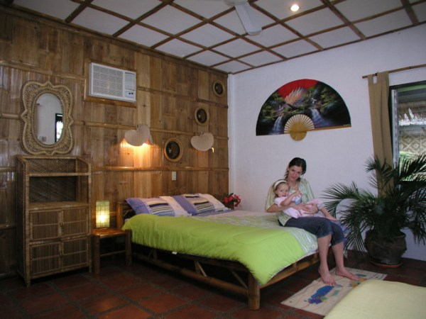 cebu-moalboal-dolphins-house-room02