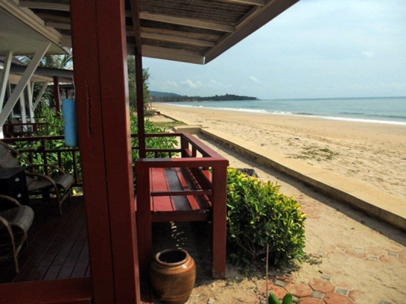koh-lanta-nakara-long-beach-bungalow01