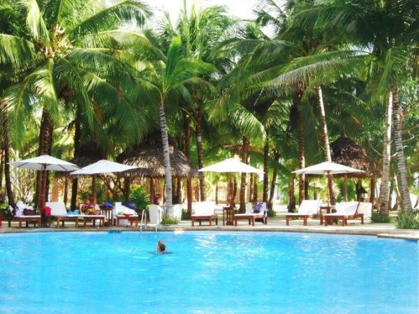 siquijor-coco-grove-pool-2